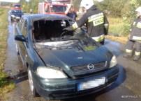 Pożar samochodu osobowego w Szycach (2)