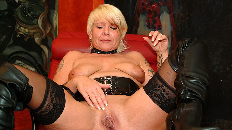 New Mature Women Videos @ NudeReviews.com