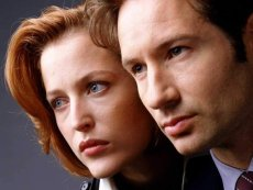David Duchovny and Gillian Anderson are Muldar and Scully in The X-Files