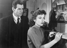 Robert Ryan and Ida Lupino star in the film noir by Nicholas Ray