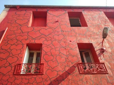 Le mur rouge de Sunra