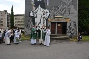 Les frères Dominicains baptisent le mur, Toulouse, 2015