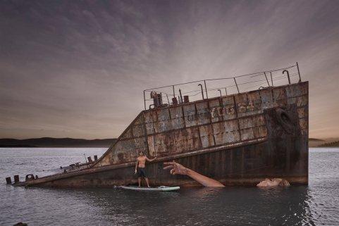 Après avoir trébuché sur ce vieux navire coulé, Hula L'artiste s'inspire de la façon dont la marée montait et descendait. Soit la fresque était visible, soit au contraire on ne voyait plus rien ©Hula
