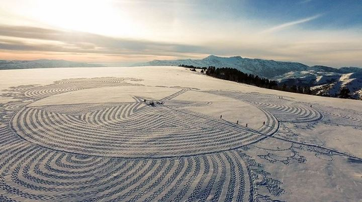 simon-beck-snow-art-ouvre-neige-6