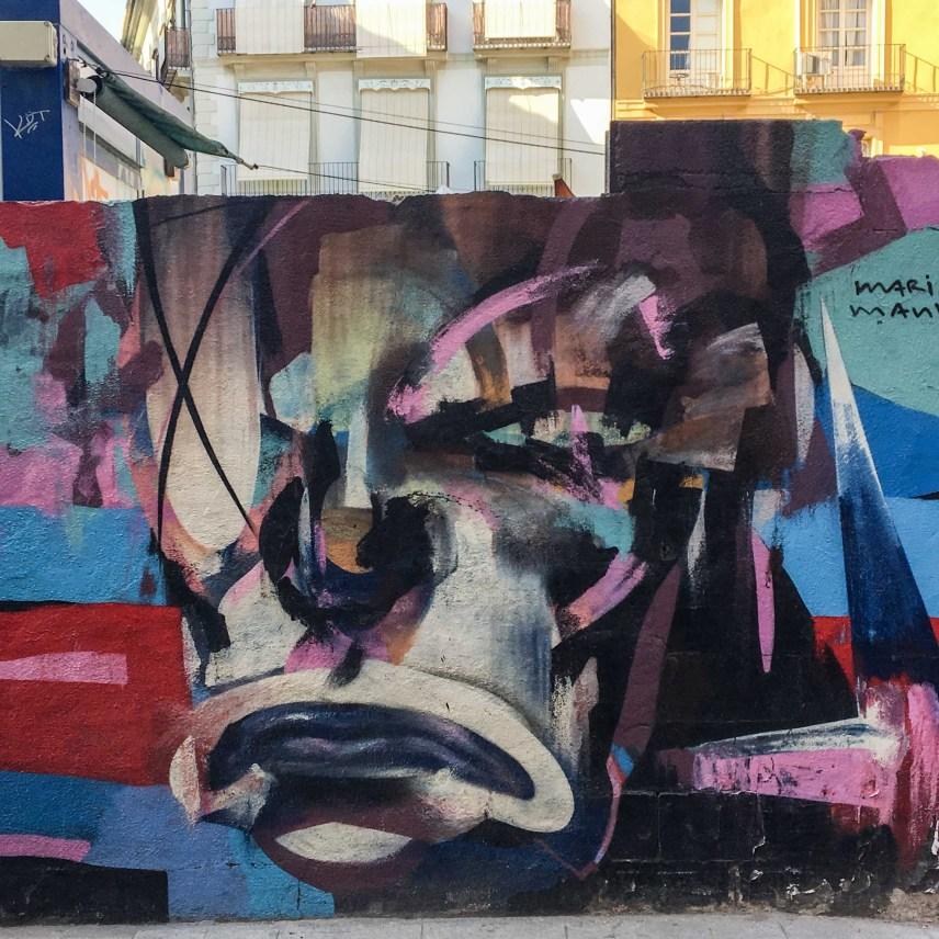 das Mural von Mario Mankey zeigt ein Detail eines Profiles mit grober Pinselführung gemalt