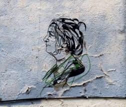 Fadenfrau mit grün