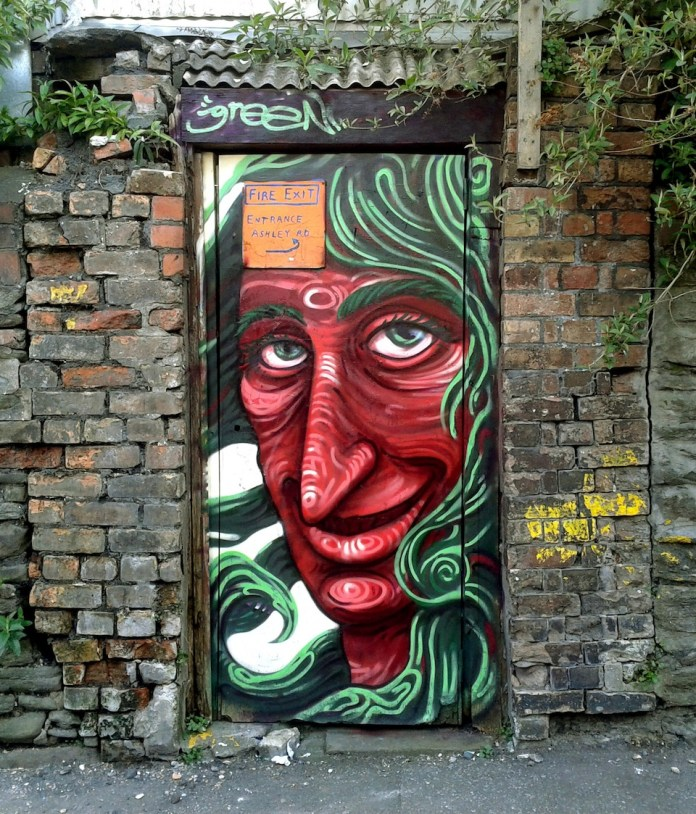 Graffiti by Uri Green in Barcelona, Spain 1