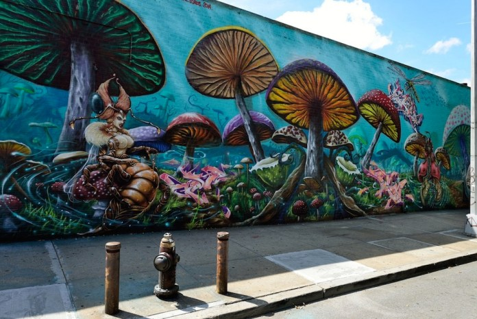At the corner of Fteley and Westchester Avenue in the Bronx, New York, USA. Signed by GORE, SKE, PER, FX, LOADS and 20M 2