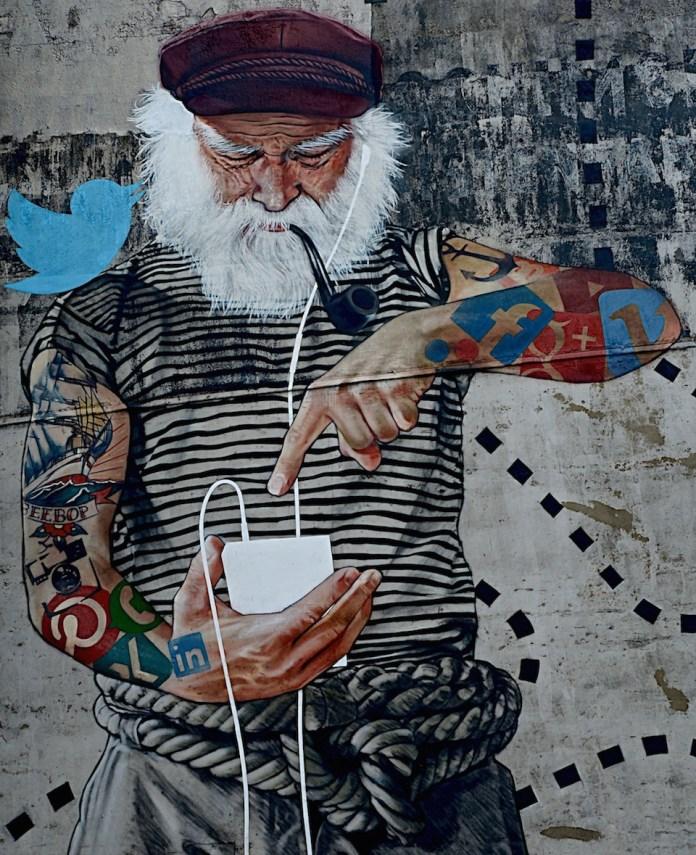 Fischersnetz - Street Art by Innerfields in Hamburg, Germany 1