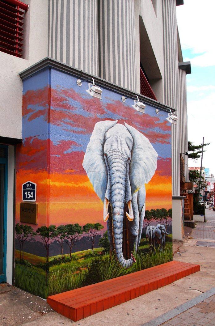 Street Art fromSeoul Area, South Korea. Photo byMark Johnson23