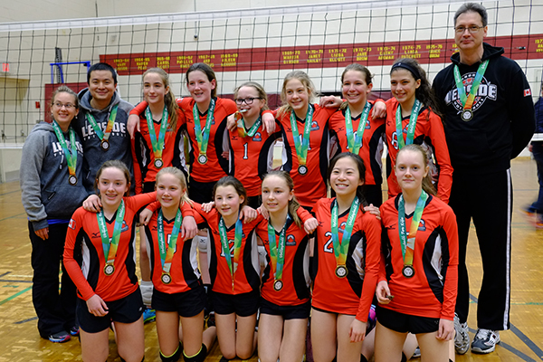 Leaside Lightning 13U girls team