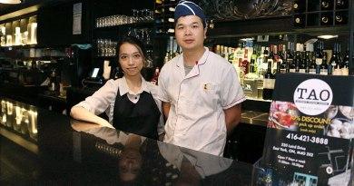 Tao-Restaurant staff