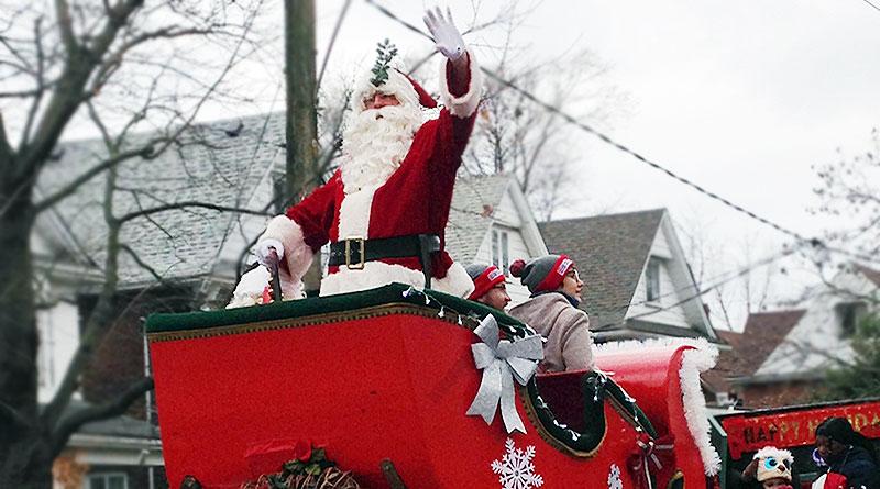 Santa waves in Beaches Santa Claus Parade