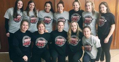 Girls hockey team Leaside Wildcats