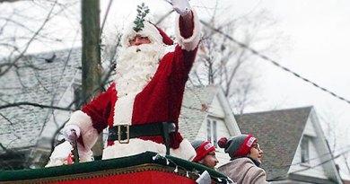 Hamper's Santa Claus parade in Beaches