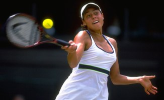 Wimbledon was a coming-out party for Alexandra in 1999 -- but her success also prompted her secret to come out.