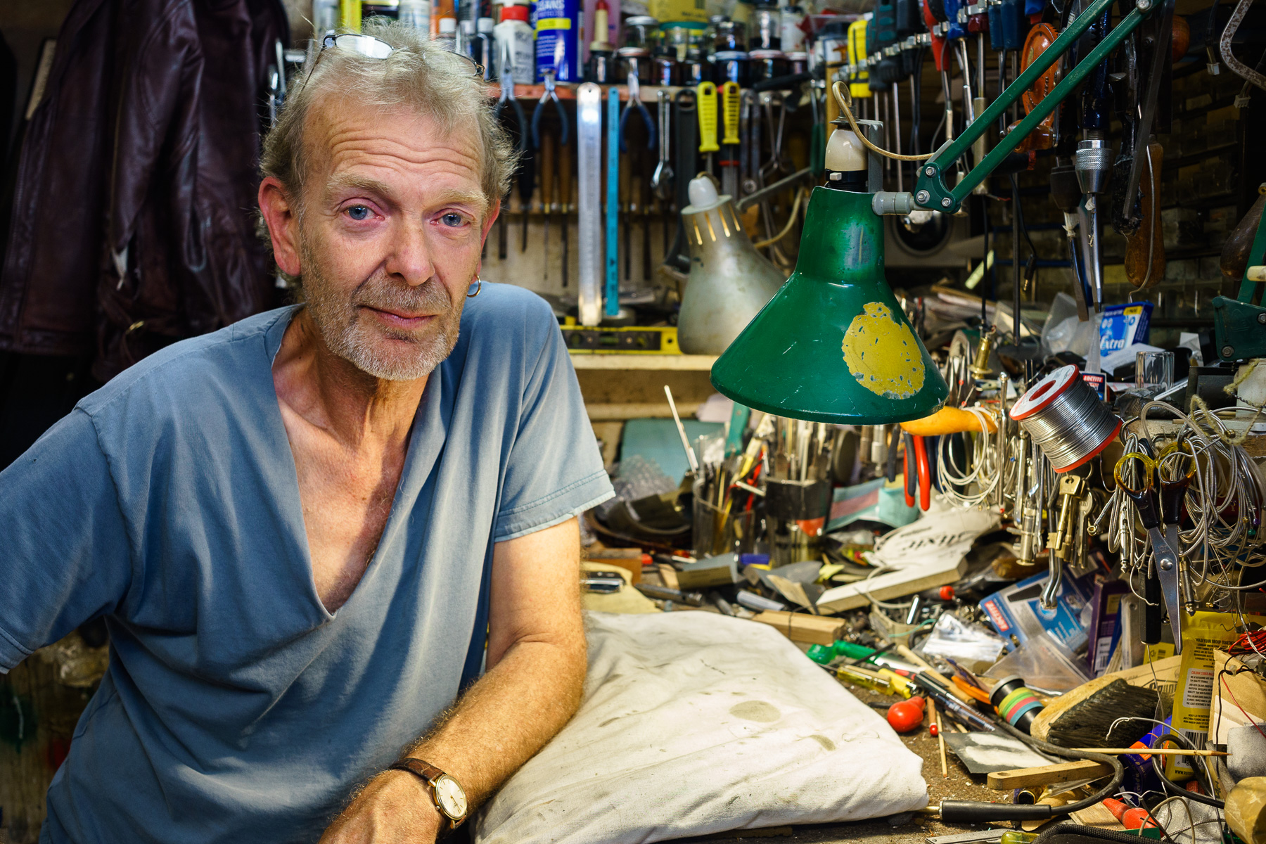 Photo of Graham Noden at his workbench.
