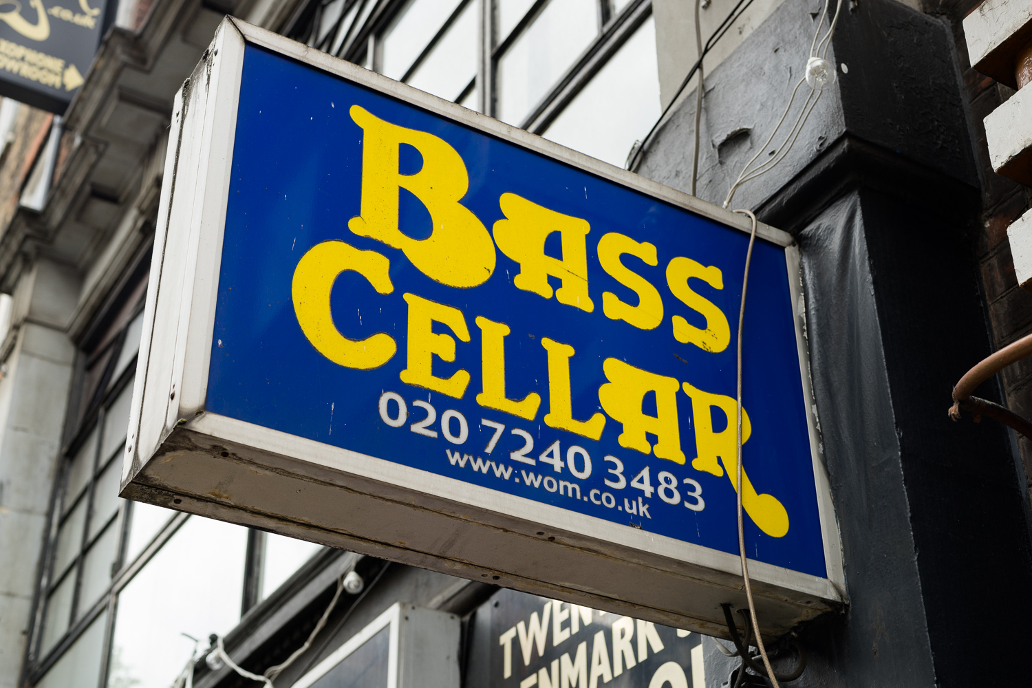 Photo of the Bass Cellar sign at 22