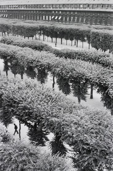 Cartier Bresson Jardins du Palais Royal Paris 1959