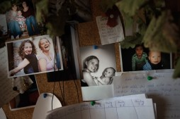 A pin board in Danas patient's room at palliative ward shows some lovley memories of her life.