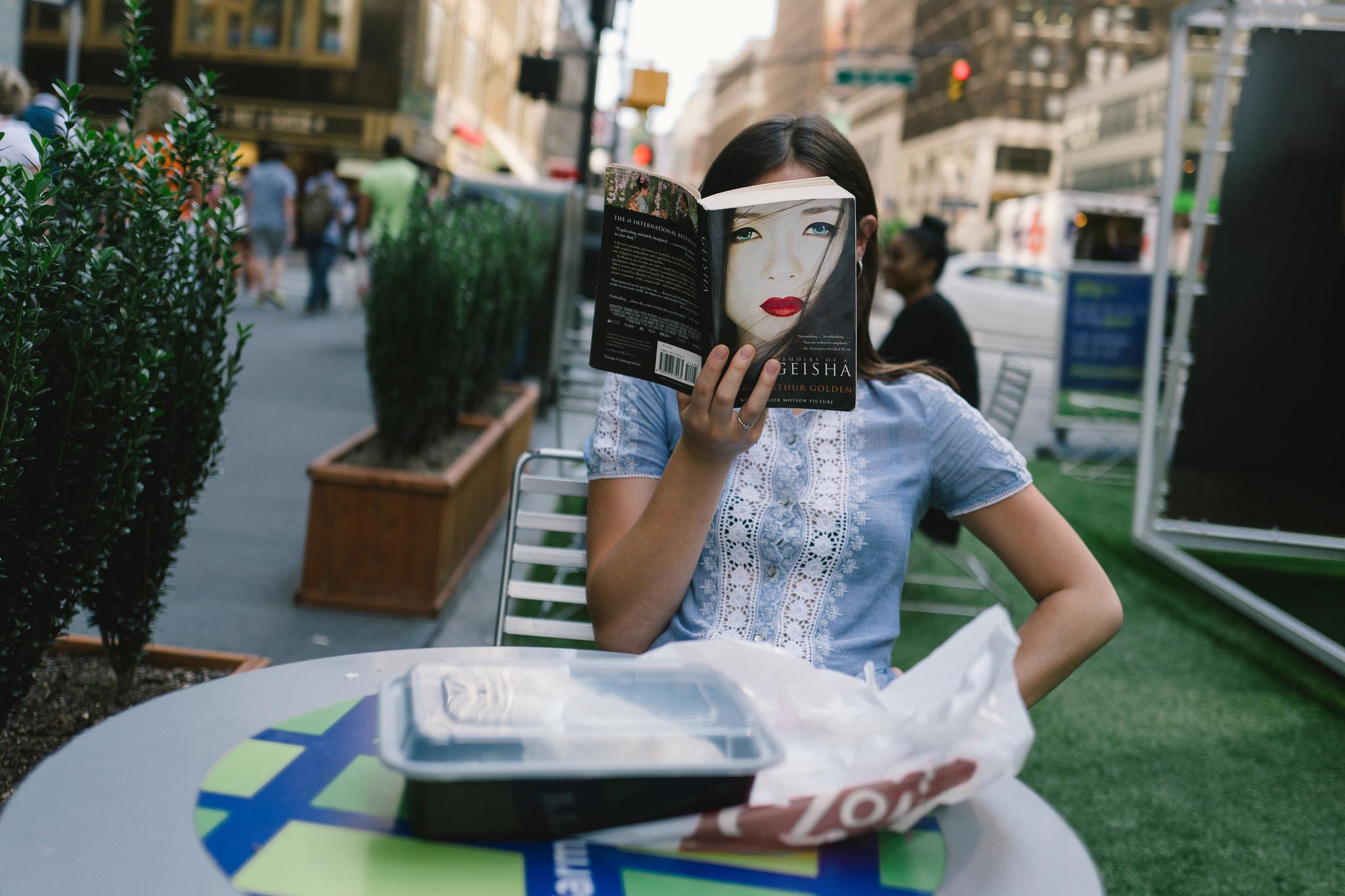 How Street Photographers Gain an Audience on Instagram: Jonathan Higbee (52,7k Followers)