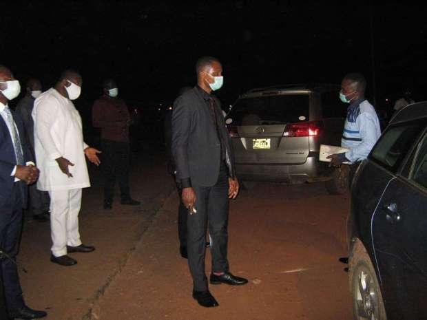Governor Ugwuanyi Defies Rain to enforce Curfew
