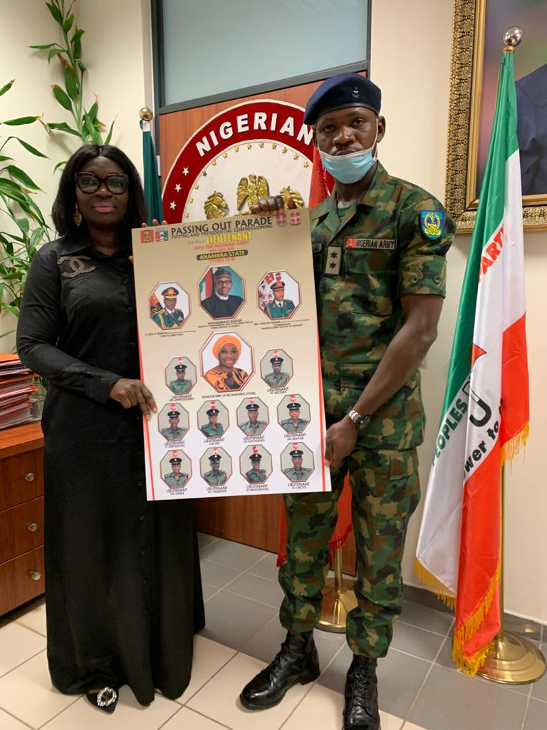 Ekwunife receives newly commissioned Nigerian Army