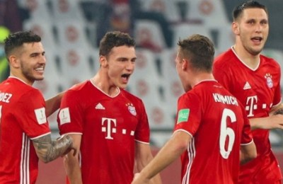 Bayern Munich's French defender Benjamin Pavard (2nd-L) celebrates his goal during the FIFA Club World Cup final football match