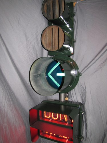 "Econolite ""C35"" (actually pieced together from different lights, along with an Econolite E8 neon pedestrian signal, this configuration was iconic of California for decades."