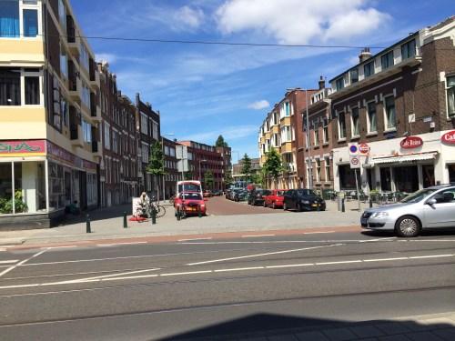 The sidewalks of Rotterdam bow to no street.