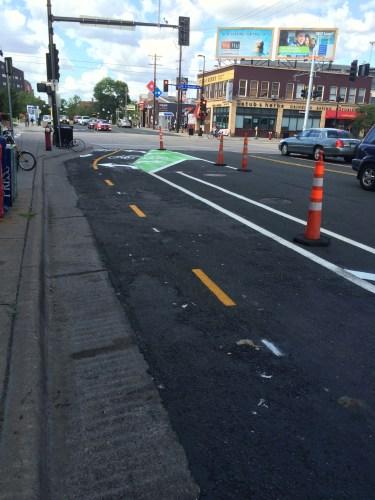Oak Street Protected Bikeway, Minneapolis (at Washington Avenue)
