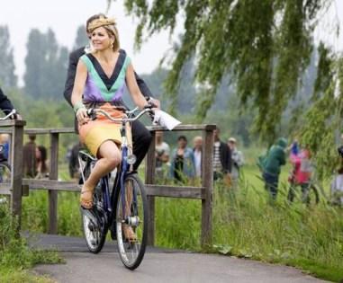 dutch queen on bike