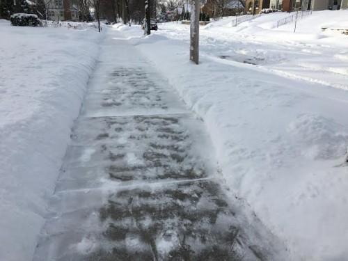 A (snowy) outdoor treadmill
