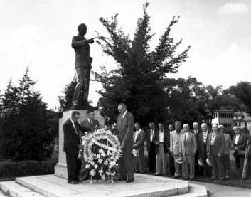 olson statue ceremony 1951
