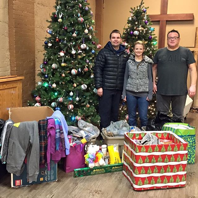 Big shout out to Signature Dentistry. Food, hoodies, socks and lots of great things. Thanks guys!! #Lethbridge #yql #streetsivela #christmasgiving #bringinghope