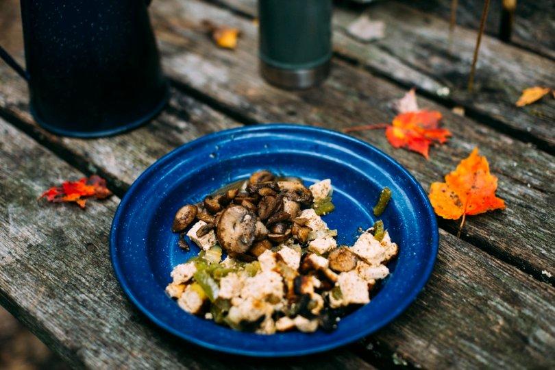 Vegan breakfast scramble | streetsandstripes.com