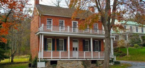 RE DAVIS House