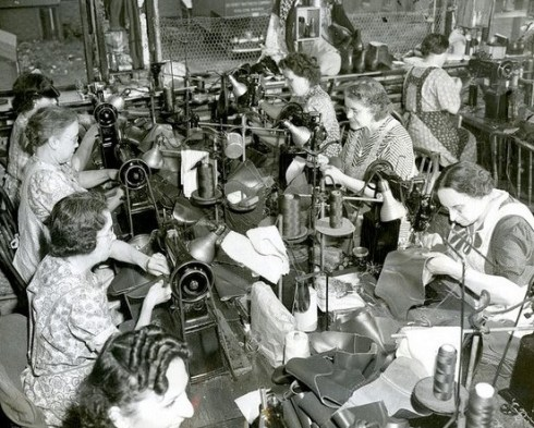 Labor Day Shelby Shoe Co 1942