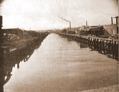 Salem 1912 North River