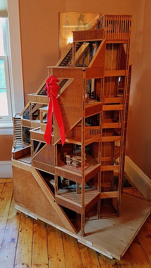 christmas-in-salem-dollhouses