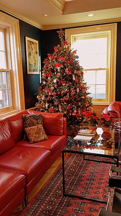 christmas-in-salem-tree-3s
