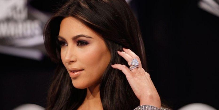Kim Kardashian Robbed At Gunpoint