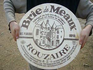 Brie de Meaux cheese