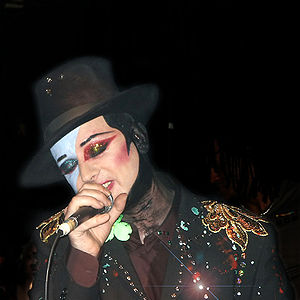 English: Boy George performing at Ronnie Scott...