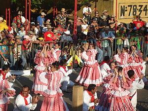 Baile de la Cumbia en el Carnaval de Barranquilla.