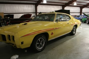 14.The side of the GTO is done, looks like a Judge now.