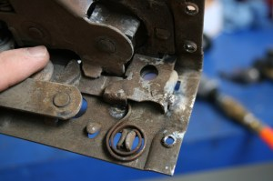17.The coil spring shown here is important, it puts tension on the latch, which keeps the door closed.