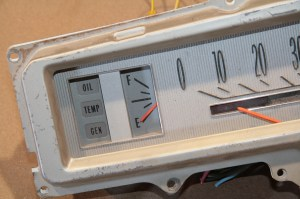 09.With the ground directly on the sending unit post, the needle moved to the empty position. This is a fully-functioning gauge.