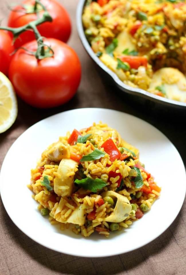 final plated vegan paella