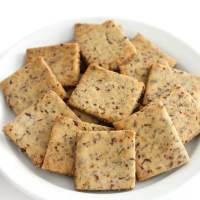 Homemade Gluten-Free Wheat Thins (Vegan, Allergy-Free)